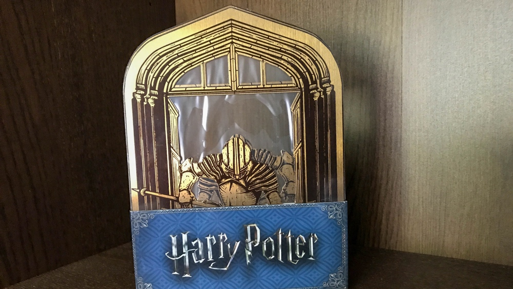 Loot crate Guardians of hogwarts bookends